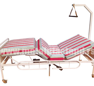 Bolnicki-krevet-sa-elektricnim-podizanjem-uzglavlja-i-uznozja-M-16
